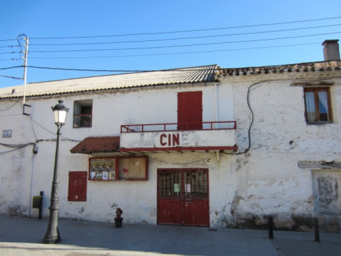 abandoned cinema manzanares el real spain