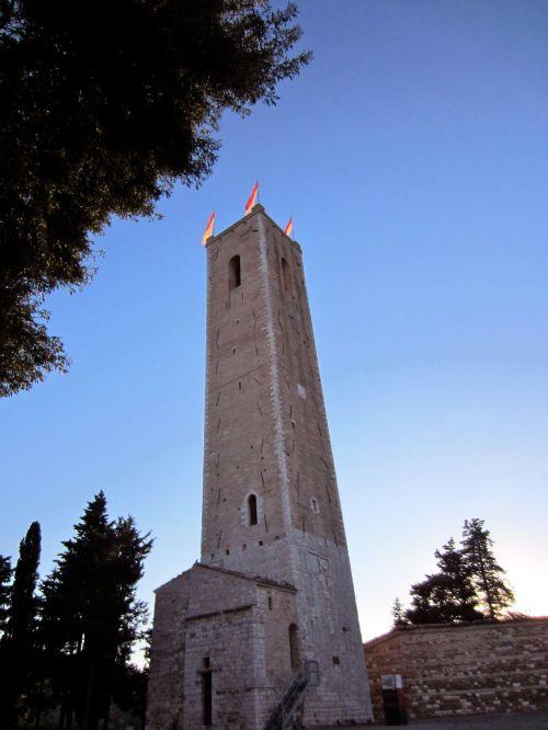 torre degli smeducci san severino marche